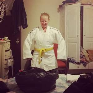 Linda did actually help me do some packing, after she tried on my judo kit. hah.