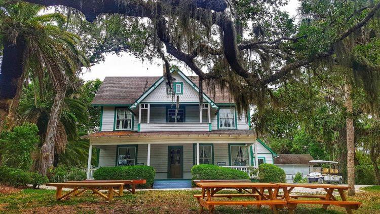 Sarasota county things to do where to eat where is tara