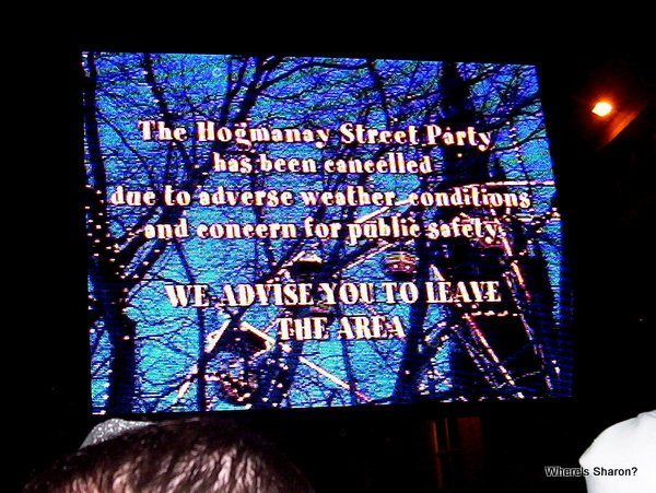cancellation sign at hogmanay ediburgh