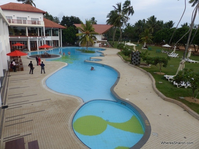 The Sands hotel Sri Lanka pool