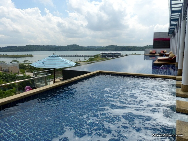 Hotel Jen Puteri Harbour reviews
