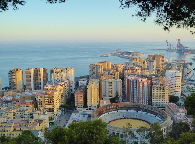 Malaga city port and bull ring, view from castle (640x471)