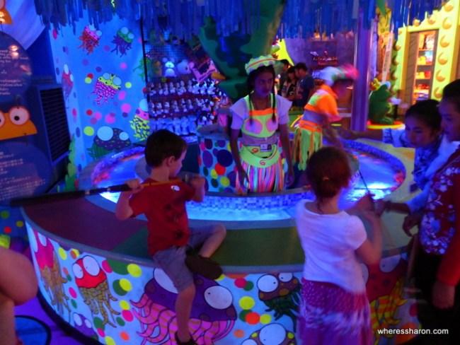 games at Golden Kinnaree Buffet Restaurant
