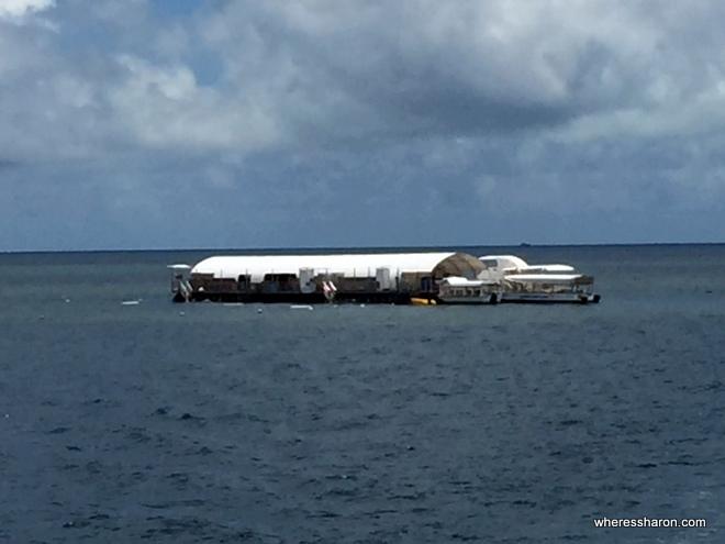 Great Barrier Reef Moore pontoon