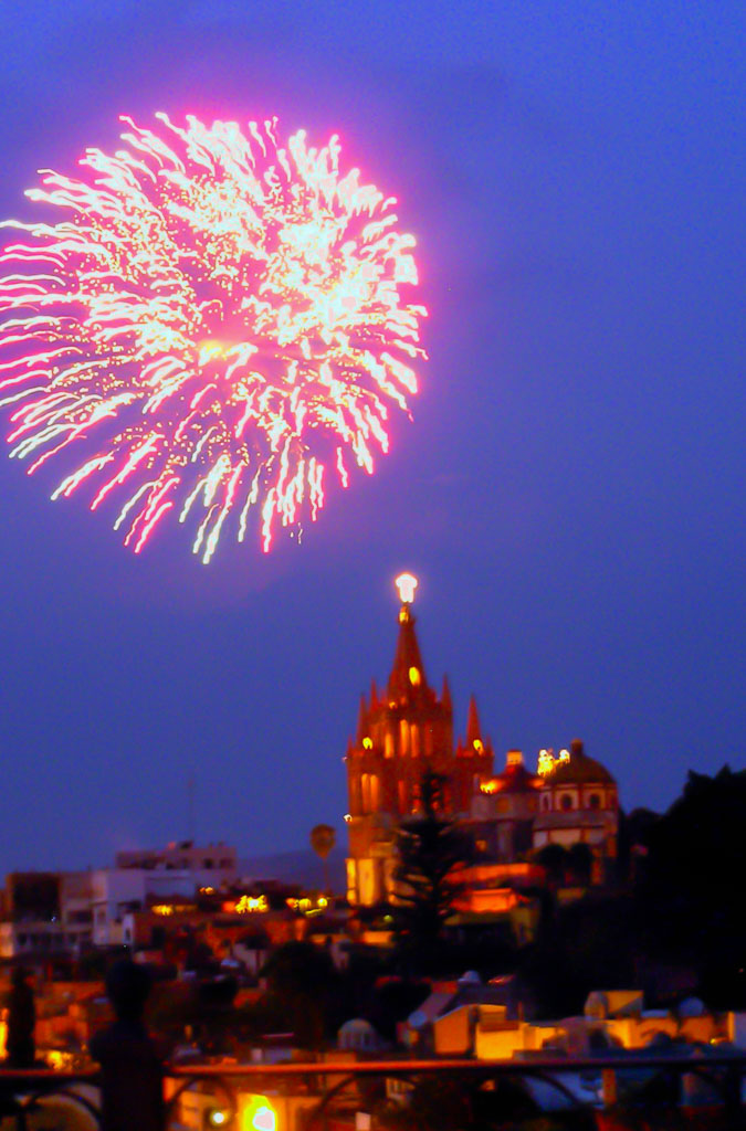 Fireworks are a particular favorite in SMA, especially as viewed over La Parroquia de San Miguel Archangel.