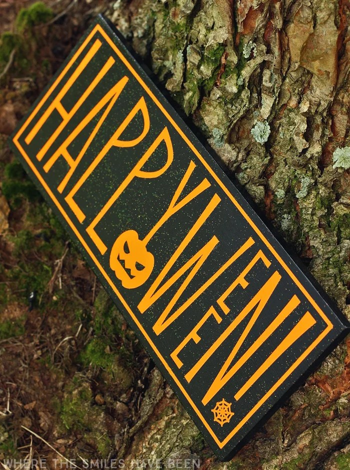Upcycled Happy Halloween Sign & FREE Cut File! | Where The Smiles Have Been