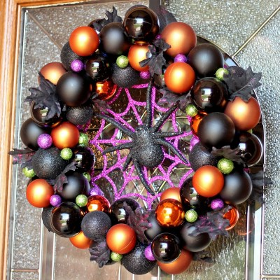 DIY Halloween Ornament Wreath for a BOOtiful Front Door!