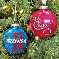 How to Make Personalized Glitter Ornaments