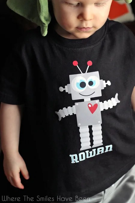 Valentine Robot Shirt with Print and Cut Heat Transfer Vinyl