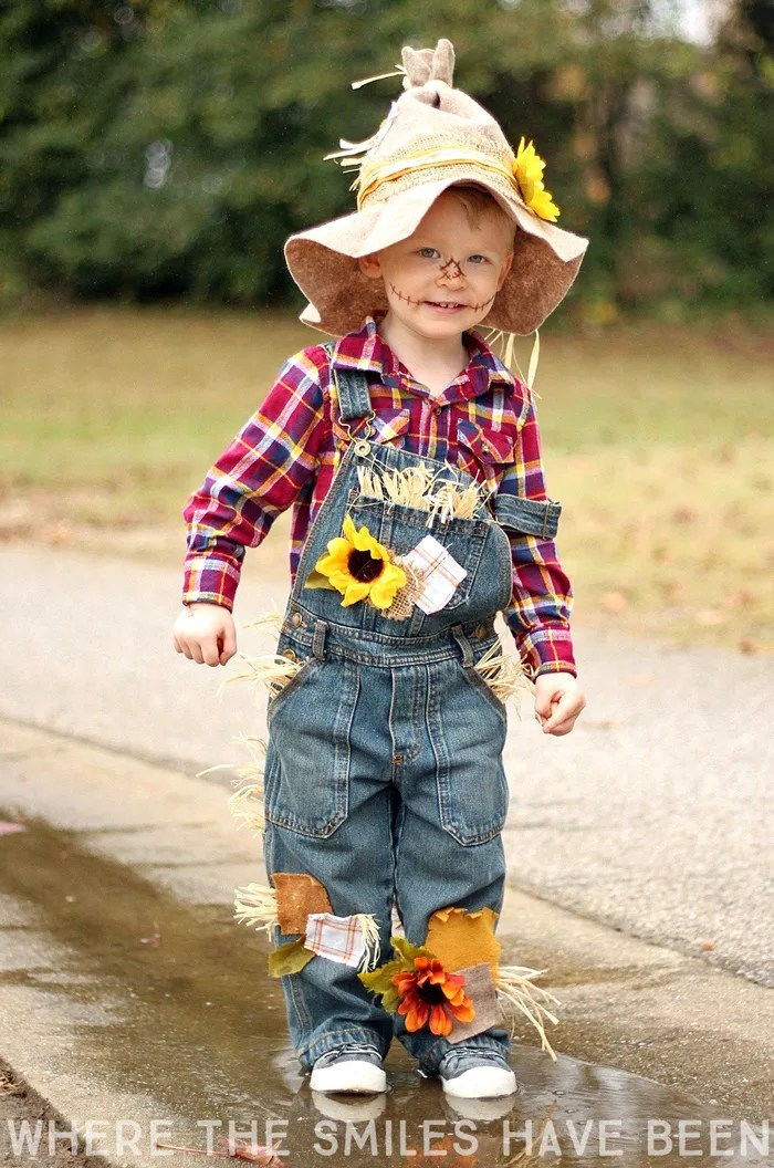 Learn how to make this DIY Scarecrow Costume that works great for toddlers kids  sc 1 st  Where The Smiles Have Been & Easy u0026 Adorable DIY Scarecrow Costume Thatu0027s Perfect for Kids u0026 Adults!