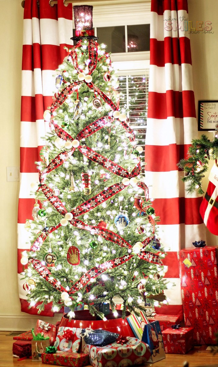 How to Crisscross Ribbon on a Christmas Tree for a Unique Look!   Where The Smiles Have Been #Christmas #ChristmasTree #ChristmasTreeDecorating #ribbon #DIY #HolidayDecor