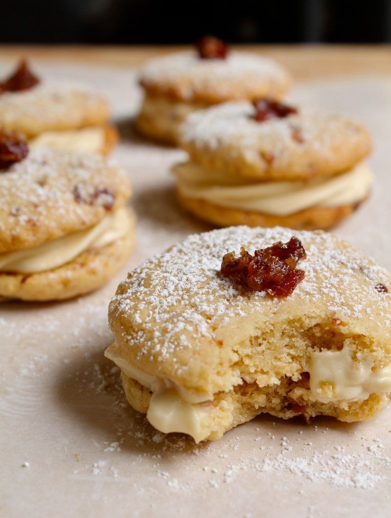 maple bacon sandwich cookies