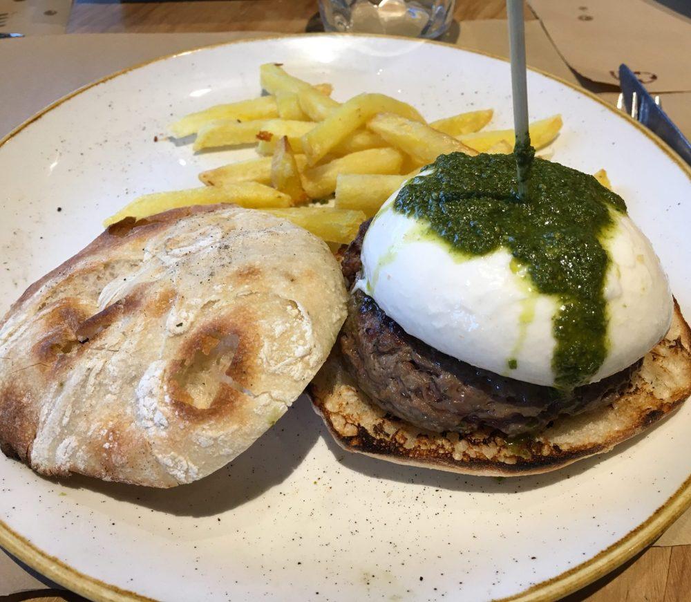 Queens Burger Gourmet. Italian Burger / Hamburguesa Italiana.