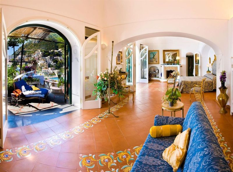 positano hotel vs apartment
