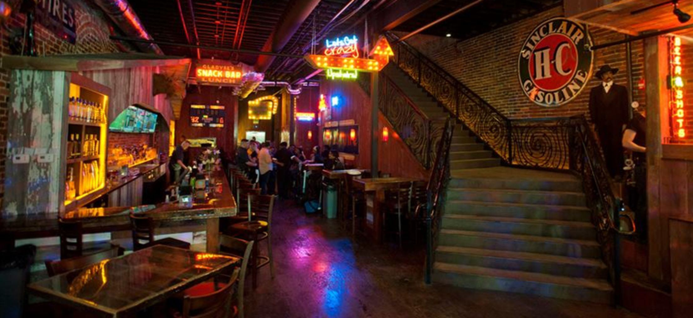 The Essential Guide to Honky Tonks in Nashville