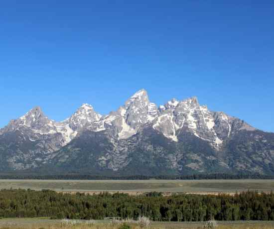 The highest peaks of the Teton mountain range