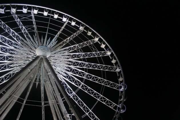 Pensacola ferris wheel at night