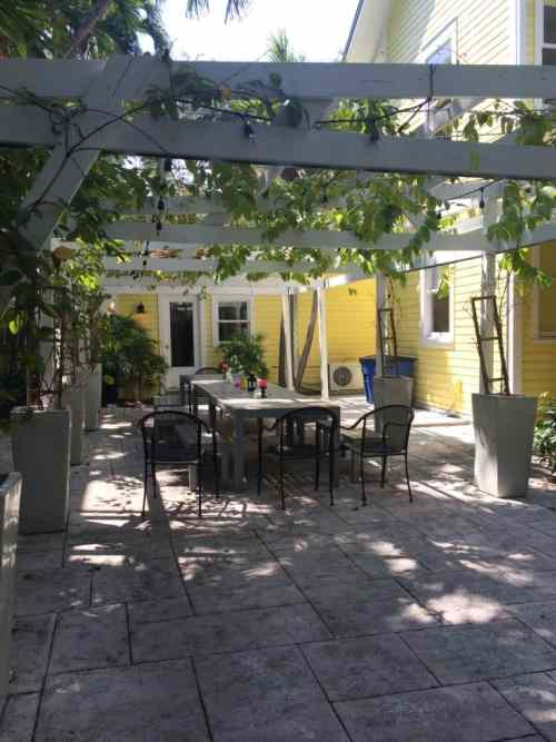 Roam Coliving Miami - Front Terrace