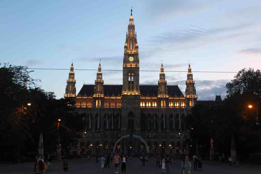 2 Days in Vienna - Rathaus City Hall