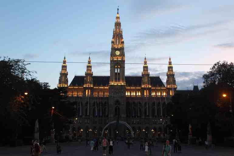 2 Days in Vienna - Rathaus City Hall