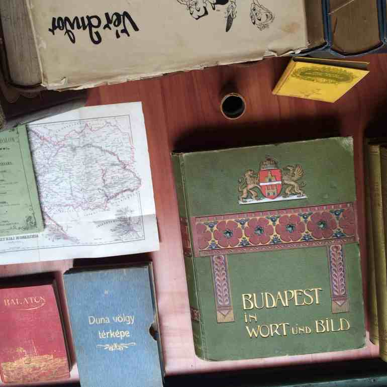 3 days in Budapest - antique book store