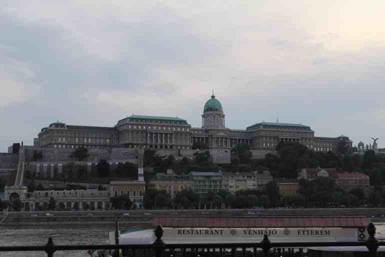 3 days in budapest - Buda Castle by day
