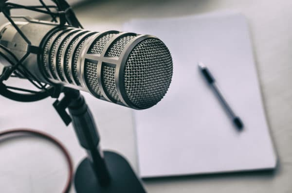 Free Course: A Marketer's Guide to Podcasting