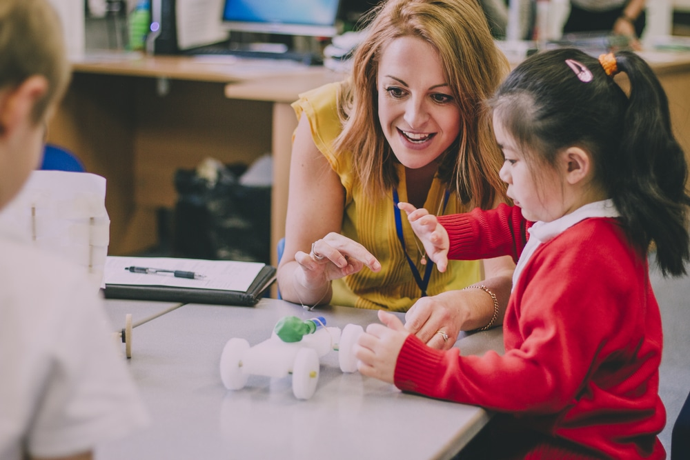 Summer Courses for Primary Teachers at MIC