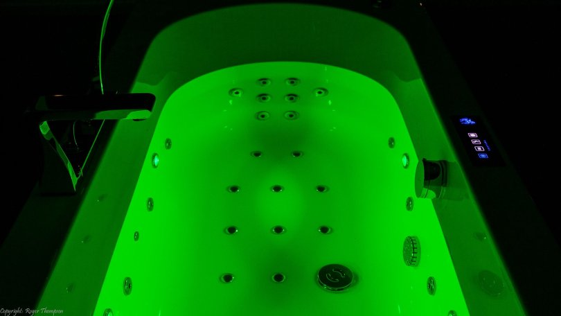 apple green chromotherapy light