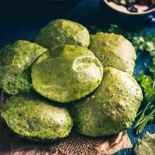 Palak Puri is a healthy and colourful variation of usual Puri. It can eaten as it is and you could even serve it with a sabzi for breakfast.
