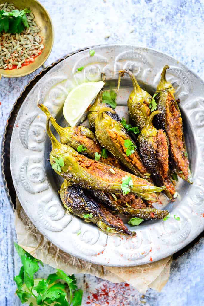 Gently filled with the masaledar mix of gram flour, spices and salt, Besan Bhari Mirch is then nicely sauteed to create the perfect accompaniment.