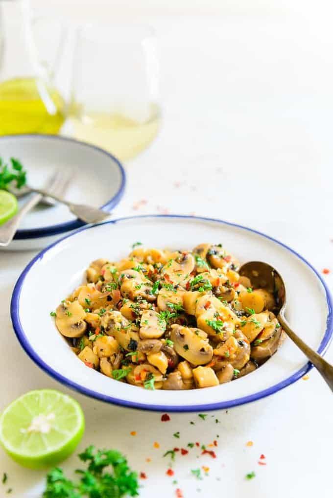 Sautéed Wine Garlic Mushroom Recipe, How to make Sautéed Wine Garlic Mushroom