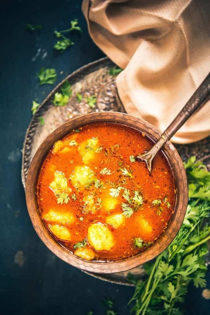 Bhandare Wale Aloo Ki Sabzi Recipe I Aloo Sabzi Recipe – Video Recipe