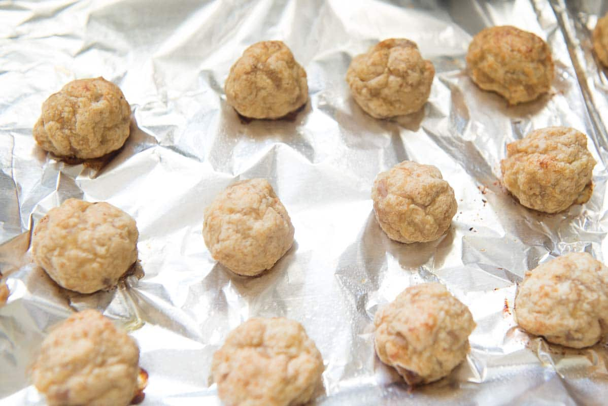 Baked meatballs in the tray