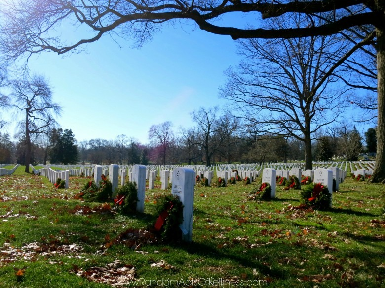 nearly 300000 graves are at arlington national cemetery