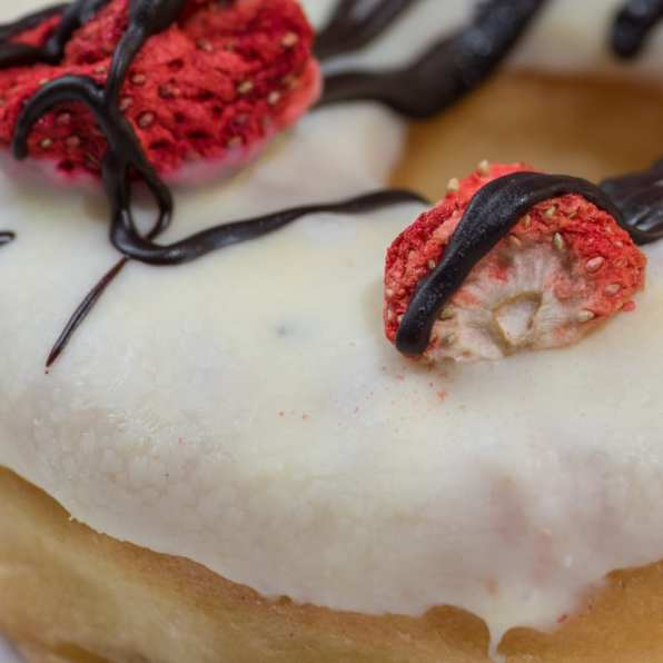 Longrow 13 Red & White Chocolate Strawberry - Whisky And Donuts - WhiskyAndDonuts.com