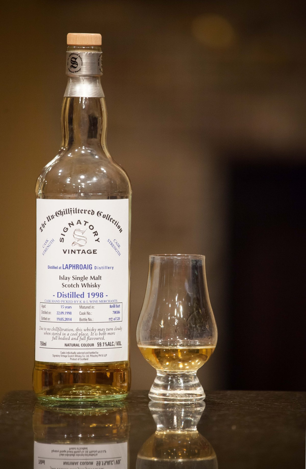Laphroaig 15 (Signatory Vintage 1998/2014 K&L Selection Cask #700386) Review