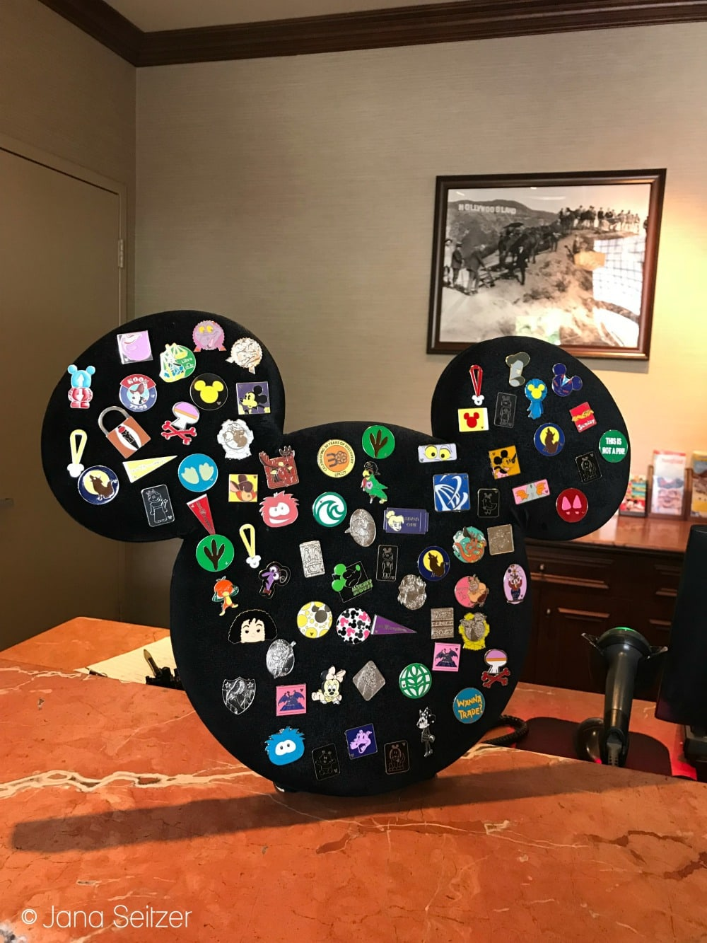 Beginner's Guide To Pin Trading at Disney World: Disney Pin Trading