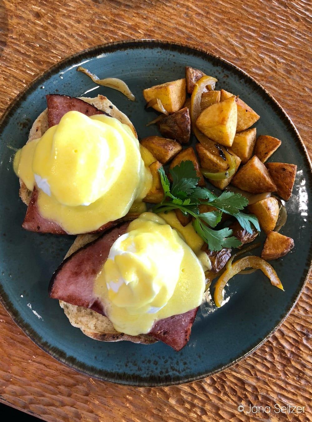 Summer at Salishan Resort on the Oregon Coast - classic eggs benedict