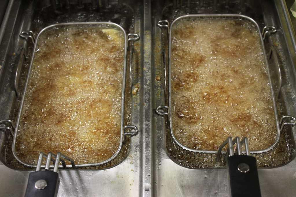 deep frying chips