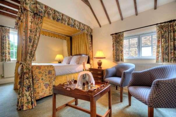 White Hart Hotel Fourposter Room