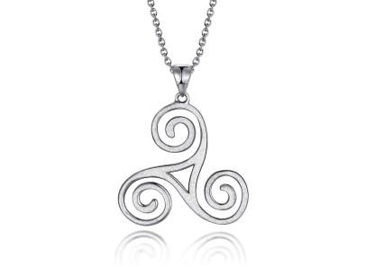 Pendentif Triskel en argent 925 mâte. Le triskèle est un symbole celtique représentant trois jambes humaines. Vendus avec écrin et chaîne