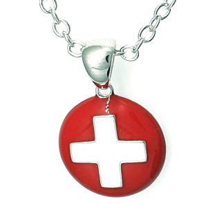 Pendentif en argent 925 rond incurvé avec une croix suisse modèle by White Alpina. Ce magnifique bijou est livré dans un écrin avec une chaîne.