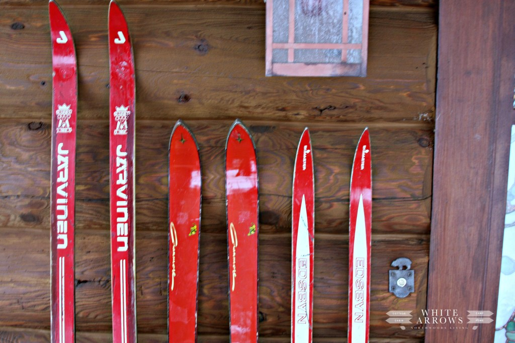 Red Skis-Front Porch-Bear Door Bell-Log Cabin
