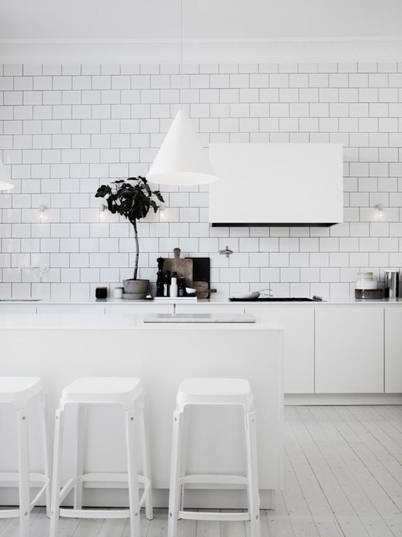 02101379ideas-white-kitchen