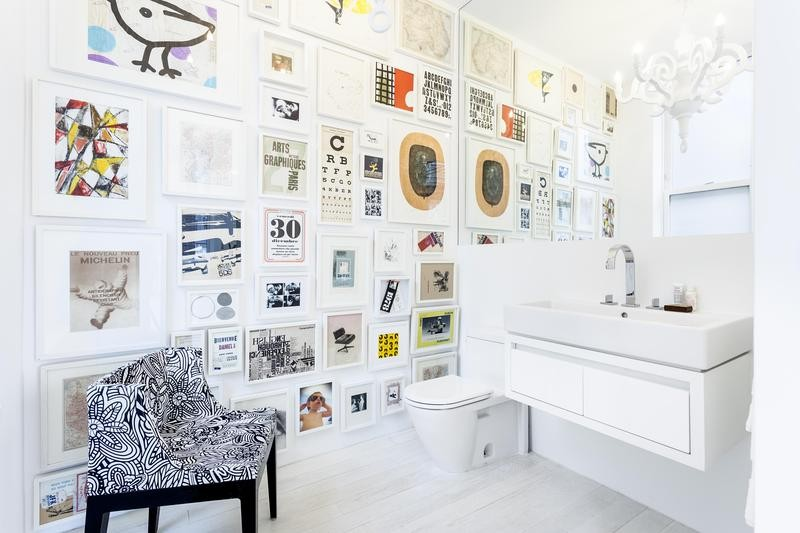 bathroom-galler-wall-white