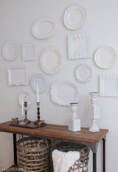 white-plate-wall-design