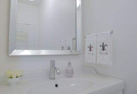 White-Cabana-Powder-Room-3