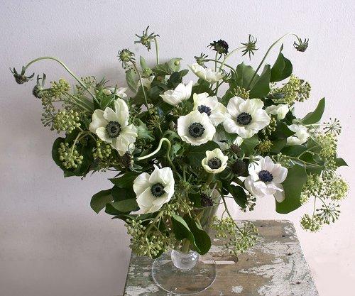 anenome-bouquet-Ariel-Dearie-DesignSponge