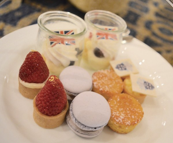 White-Cabana-Afternoon-Tea-Fairmont-Palliser-Calgary_3
